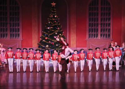 COM-Ballet25YrsCvrStry-p2-SPON