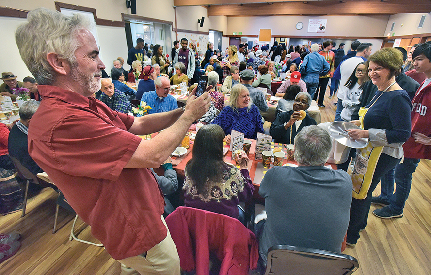 Free Thanksgiving Day Feast and Party for Seniors –  Reservations Now Being Taken!