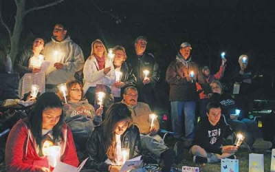 Bereaved Families Join in 19th Worldwide Candle Lighting Local Santa Clarita Chapter's 15th Annual Candle Lighting