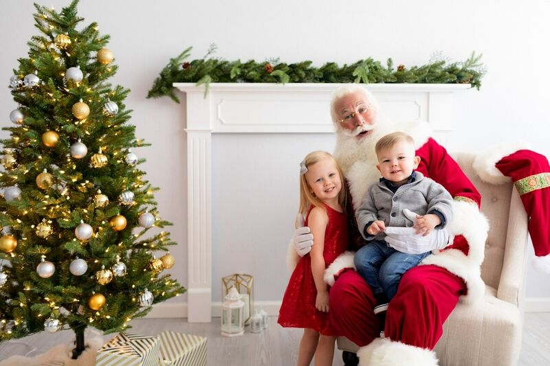 Just Maggie Photography to Hold Santa Photo Sessions to Benefit Child & Family Center