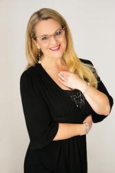 COM-EmpowerHearts-AndreaVibe-P1