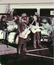 """ZZ Top """"Legs"""" Music Video Filmed in Old Orchard Shopping Center – A Little Bit of History"""